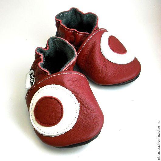 Кожаные чешки тапочки пинетки кружочки белый бордовый на бордовом ebooba