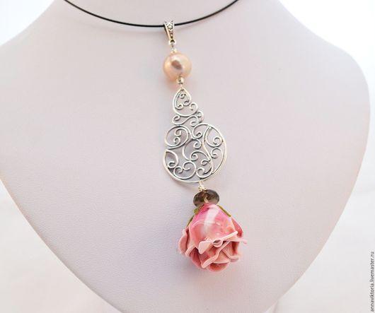 """Кулоны, подвески ручной работы. Ярмарка Мастеров - ручная работа. Купить Кулон """"Милая Анетта"""". Handmade. Комбинированный, розовый цветок"""