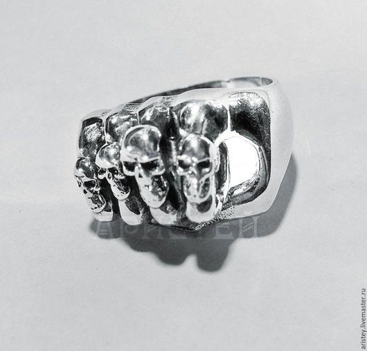"""Украшения для мужчин, ручной работы. Ярмарка Мастеров - ручная работа. Купить Перстень""""Кастет из черепов"""". Handmade. Серебряный, брутальный подарок"""