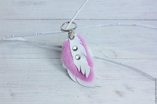 """Брелоки ручной работы. Ярмарка Мастеров - ручная работа. Купить Брелок """"перышко"""" с розовой норкой. Handmade. Розовый, брелок для ключей"""