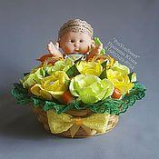 Цветы и флористика ручной работы. Ярмарка Мастеров - ручная работа Букет из конфет в корзинке. Handmade.
