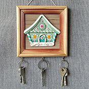 Для дома и интерьера handmade. Livemaster - original item Wall-mounted housekeepers:Housekeeper - panel Gingerbread House.Wall-mounted housekeeper.. Handmade.