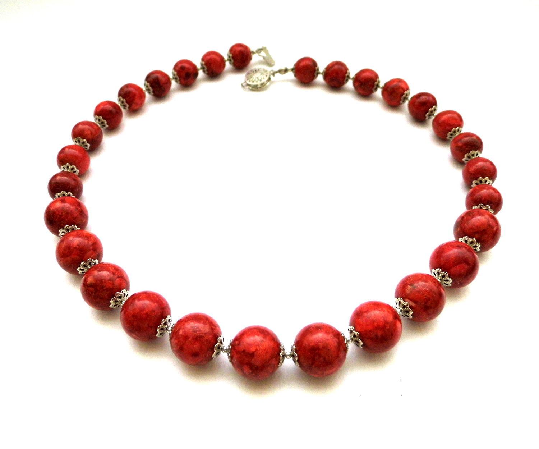 Ювелирные изделия для мужчин из красного коралла