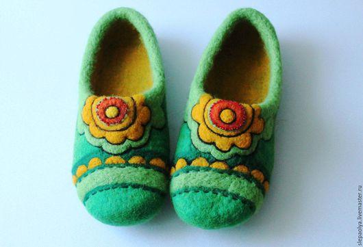 Обувь ручной работы. Ярмарка Мастеров - ручная работа. Купить Валяные тапочки. Handmade. Зеленый, етно, Валяние, войлочные тапочки