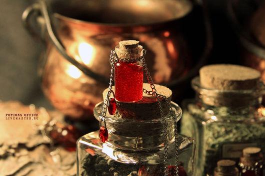"""Кулоны, подвески ручной работы. Ярмарка Мастеров - ручная работа. Купить Подвеска """"Pomegranate jam"""". Handmade. Ярко-красный, Колба"""