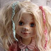 Куклы и игрушки ручной работы. Ярмарка Мастеров - ручная работа Текстильная кукла Лукерья в розовом платье с елкой. Handmade.