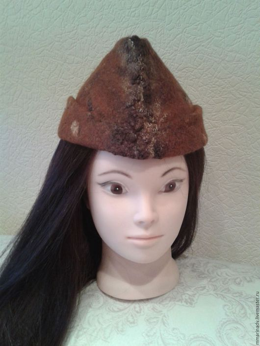 Валяная шляпка-пилотка, шерсть 100%. Авторская работа Марины Маховской.