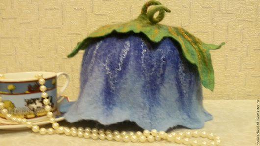 """Кухня ручной работы. Ярмарка Мастеров - ручная работа. Купить грелка на чайник """"Колокольчик"""". Handmade. Валяние из шерсти, подарок женщине"""