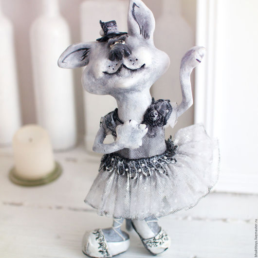 """Коллекционные куклы ручной работы. Ярмарка Мастеров - ручная работа. Купить """"Танцуя"""" или""""серая кошка"""" авторская кукла , интерьерная кукла. Handmade."""
