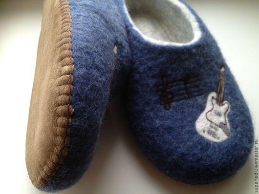 """Обувь ручной работы. Ярмарка Мастеров - ручная работа. Купить Мужские тапочки """" Рок гитара """". Handmade. Синий"""