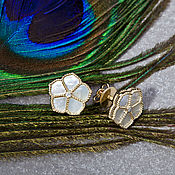 Украшения handmade. Livemaster - original item Elegant gold stud earrings with iridescent mother-of-pearl and diamonds. Handmade.