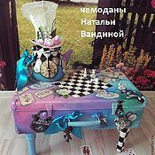Столы ручной работы. Ярмарка Мастеров - ручная работа Чемодан для Алисы. Handmade.