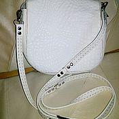 Белая летняя кожаная сумочка