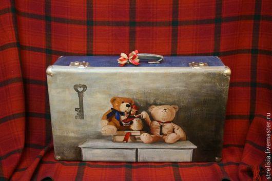 """Чемоданы ручной работы. Ярмарка Мастеров - ручная работа. Купить винтажный чемодан """"Медвежата на комоде"""". Handmade. Винтаж, мишки тедди"""