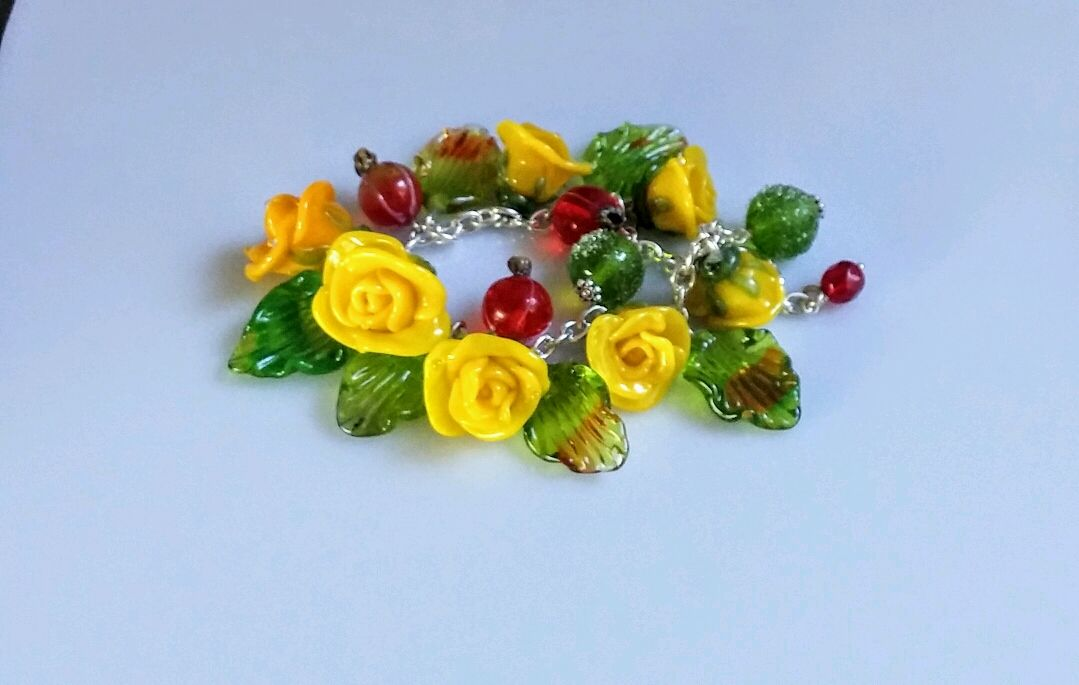 Браслет Желтые розы лэмпворк