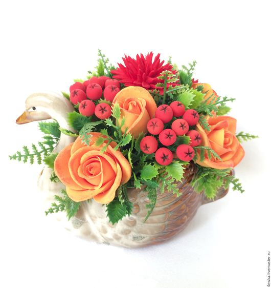 Интерьерные композиции ручной работы. Ярмарка Мастеров - ручная работа. Купить Уточка с цветами. Handmade. Ярко-красный, оранжевый цвет