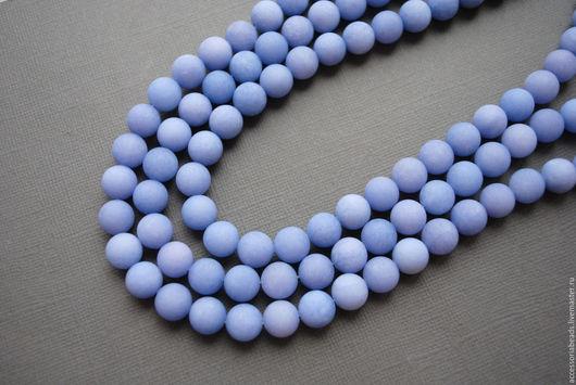 Полунить. 9 мм. Агат матовый голубой, гладкий шар.
