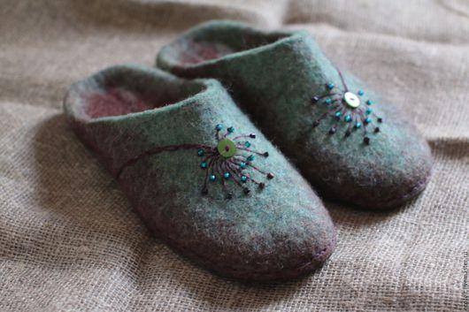 Обувь ручной работы. Ярмарка Мастеров - ручная работа. Купить Тапочки - Полевой цветок. Handmade. Разноцветный, тапочки домашние