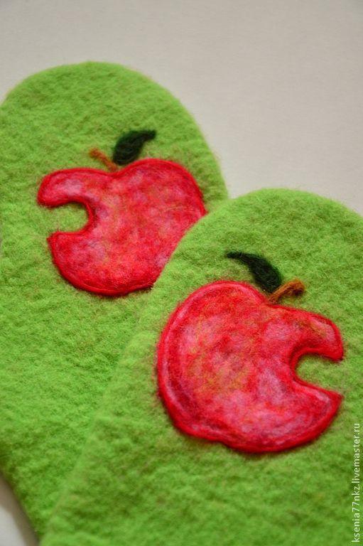 """Варежки, митенки, перчатки ручной работы. Ярмарка Мастеров - ручная работа. Купить Варежки """"Яблочки """" (apple) Скидка 50%!. Handmade."""