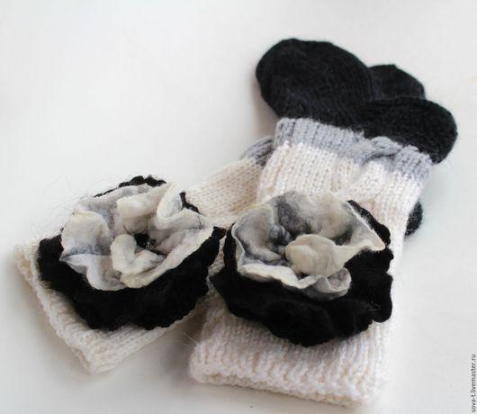 """Носки, Чулки ручной работы. Ярмарка Мастеров - ручная работа. Купить КОМПЛЕКТ  """"Ступеньки"""" домашние трехцветные носочки+брошь. Handmade."""