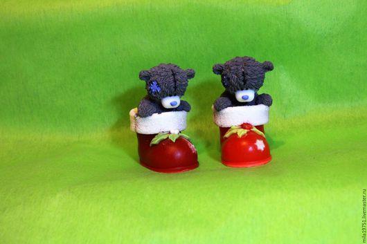 Новый год 2017 ручной работы. Ярмарка Мастеров - ручная работа. Купить Мишка Тедди в рождественском башмачке. Handmade. Ярко-красный