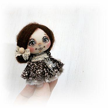 Украшения ручной работы. Ярмарка Мастеров - ручная работа Броши: Брошь куколка Шоколадное печенье. Handmade.