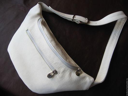 """Спортивные сумки ручной работы. Ярмарка Мастеров - ручная работа. Купить Кожаная сумка """"На пояс Б."""". Handmade."""