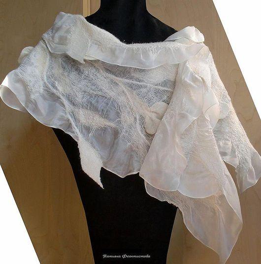"""Шарфы и шарфики ручной работы. Ярмарка Мастеров - ручная работа. Купить шарф """"Белый танец"""", войлок+шелк. Handmade. Шерсть, шёлк"""