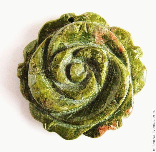 Роза унакит №3