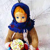 Подарки к праздникам ручной работы. Ярмарка Мастеров - ручная работа Ватная елочная игрушка - девушка с пасочкой. Handmade.