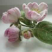 """Украшения ручной работы. Ярмарка Мастеров - ручная работа брошь войлочная """"яблоневый цвет"""". Handmade."""