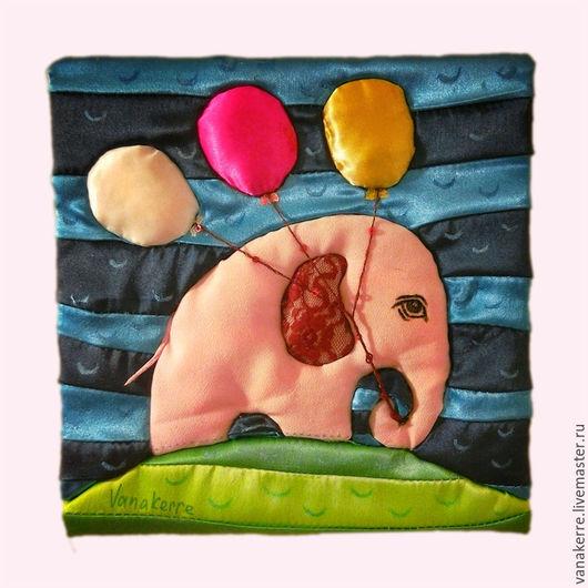 Розовый слон. Картина из ткани. Картина для детской комнаты.