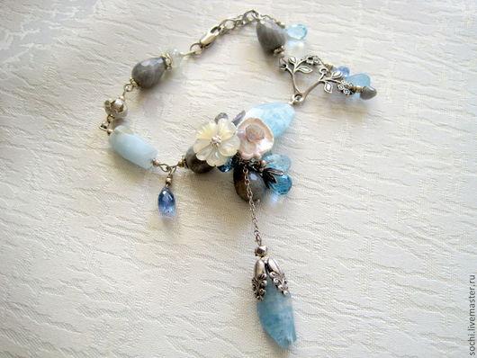 """Браслеты ручной работы. Ярмарка Мастеров - ручная работа. Купить браслет и серьги """"Аквамарины"""". Handmade. Голубой, цветы ручной работы"""