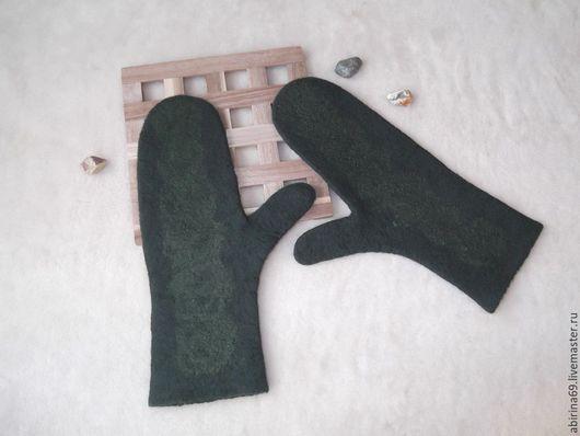 """Варежки, митенки, перчатки ручной работы. Ярмарка Мастеров - ручная работа. Купить Варежки валяные """"Глубокий зелёный"""". Handmade."""