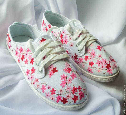 """Обувь ручной работы. Ярмарка Мастеров - ручная работа. Купить Кеды женские  """"Сакура"""", кеды с рисунком, роспись кед.. Handmade."""