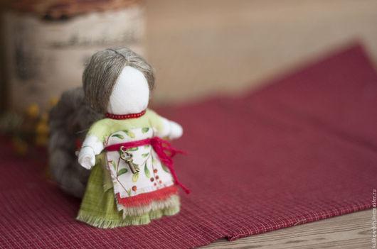 Народные куклы ручной работы. Ярмарка Мастеров - ручная работа. Купить Куколка На счастье. Handmade. Ярко-красный