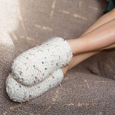 Обувь ручной работы. Ярмарка Мастеров - ручная работа Тапочки-чуни, белая полушерсть. Handmade.