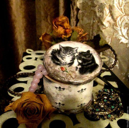 """Шкатулки ручной работы. Ярмарка Мастеров - ручная работа. Купить шкатулка """"Влюбленные коты"""". Handmade. Чёрно-белый, шкатулка декупаж"""