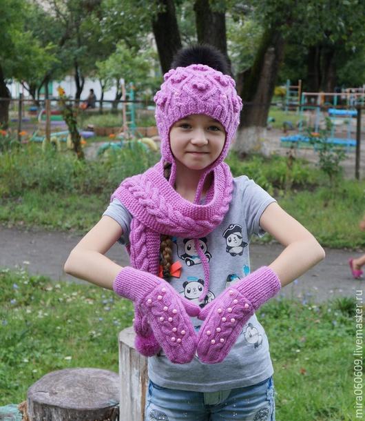 Шапки и шарфы ручной работы. Ярмарка Мастеров - ручная работа. Купить Шапка, варежки , шарф вязаные косами спицами. Handmade.