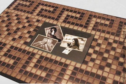"""Оригинальный журнальный столик """"Римские каникулы"""" выполнен из стеклянной мозаики с центральным элементом в виде фоторамки. MKsky"""