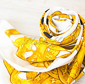 """Платки ручной работы. Ярмарка Мастеров - ручная работа Шелковый платок каре из ткани Chanel """"Золотая Chanel"""". Handmade."""