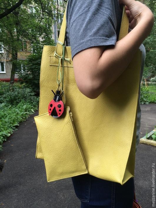 Женские сумки ручной работы. Ярмарка Мастеров - ручная работа. Купить Сумка-пакет из натуральной кожи. Handmade. Сумка