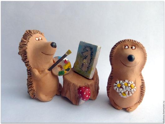 Куклы и игрушки ручной работы. Ярмарка Мастеров - ручная работа. Купить Художник и модель. Ежи. Керамика. Handmade. Ежики