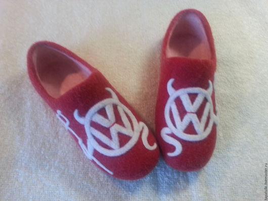 Обувь ручной работы. Ярмарка Мастеров - ручная работа. Купить валяные домашние тапочки AvtoЛеди. Handmade. Ярко-красный