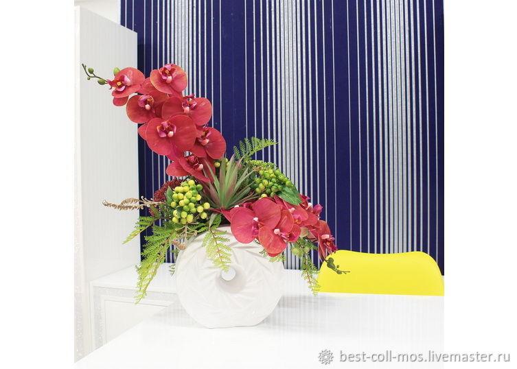 Интерьерные композиции ручной работы. Ярмарка Мастеров - ручная работа. Купить Орхидеи и ягоды в круглой вазе. Handmade. Цветы