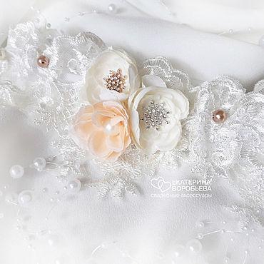 Свадебный салон ручной работы. Ярмарка Мастеров - ручная работа Подвязка для невесты кружевная с цветами. Handmade.