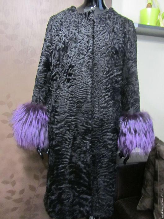 Верхняя одежда ручной работы. Ярмарка Мастеров - ручная работа. Купить Шубка из каракуля СВАКАРА в стиле ШАНЕЛь с лисой. Handmade.