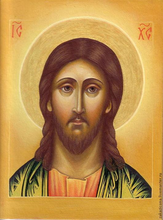 Икона Спасителя ручной работы написана маслом.