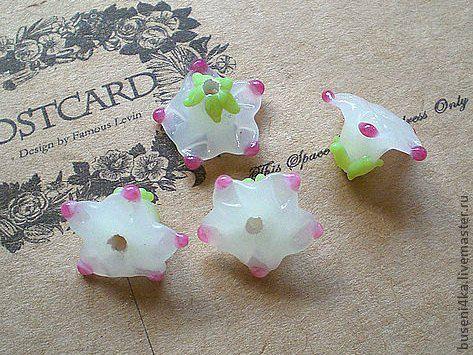 Для украшений ручной работы. Ярмарка Мастеров - ручная работа. Купить Бусина Цветок белый 10х15мм (лампворк) 1шт. Handmade.