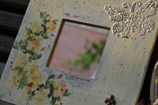 """Прихожая ручной работы. Ярмарка Мастеров - ручная работа. Купить Зеркало-ключница """"Винтажные розы"""". Handmade. Бежевый, вешалка-ключница"""